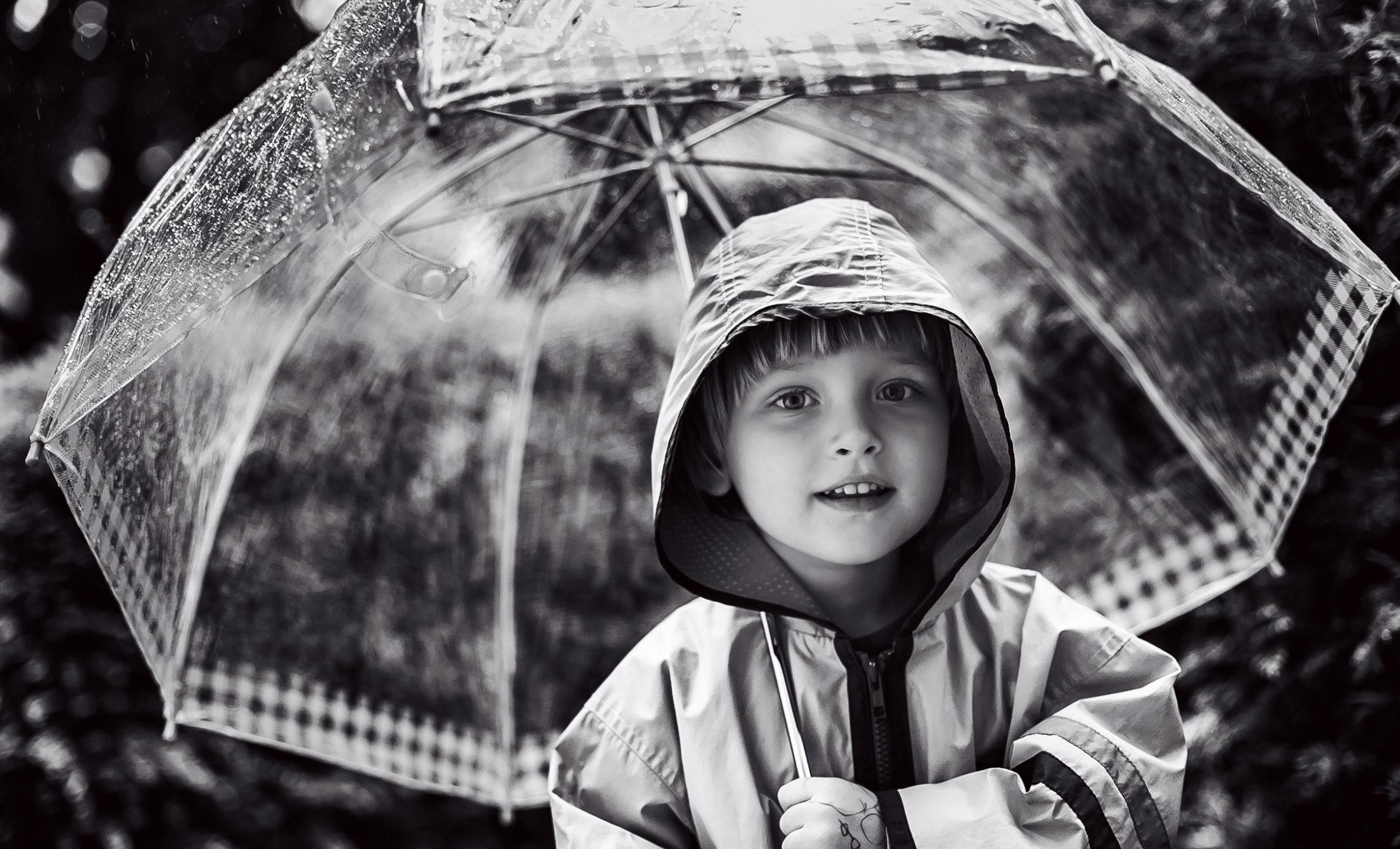 portret dziecka z parasolem