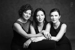 studyjny portret trzech przyjaciółek