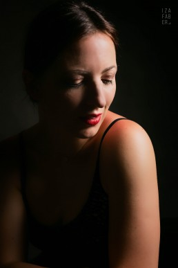 buduarowa sesja kobieca w studio w Wadowicach