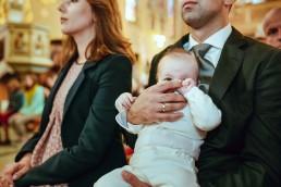 maly-Kamilek-podczas-uroczystosci-chrztu